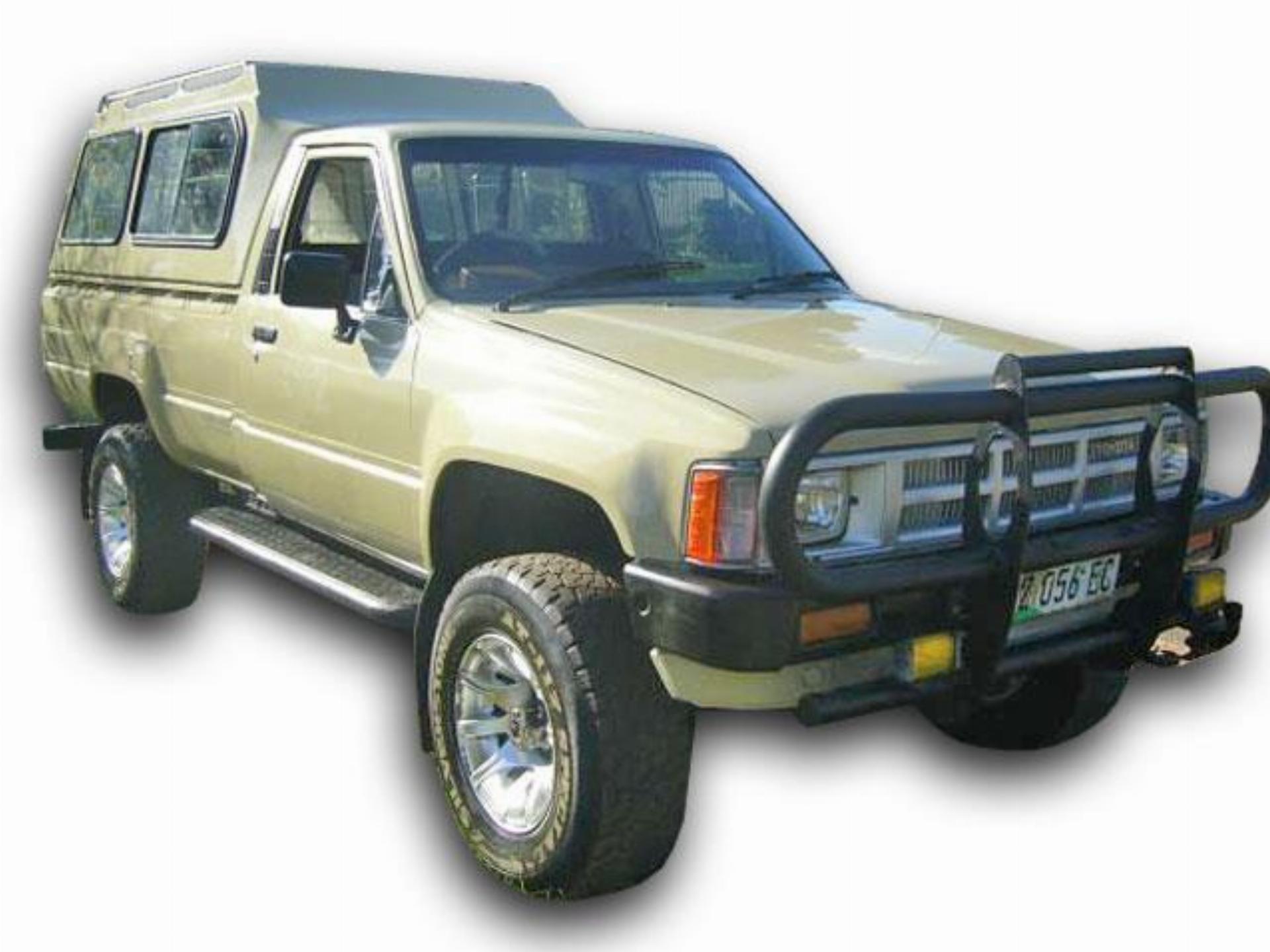 Kelebihan Toyota Hilux 1985 Tangguh
