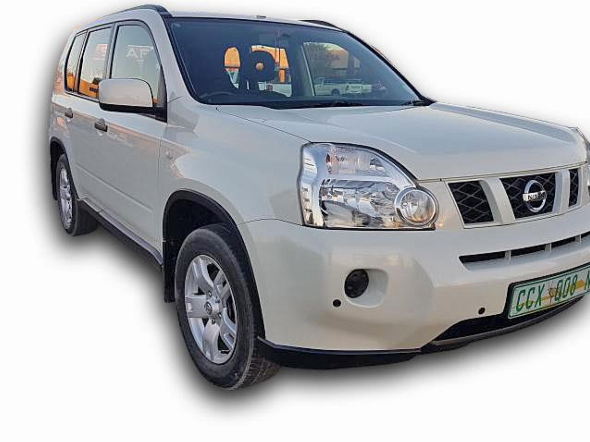 Nissan X-TRAIL 2.0 Petrol 4X2 XE (R71)