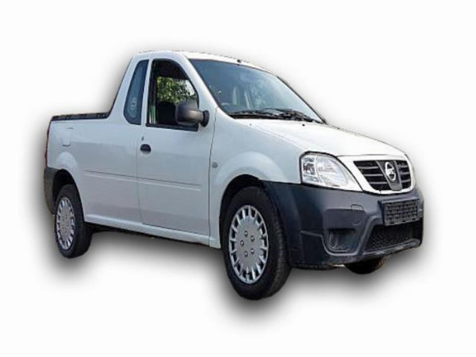 NP200 2014 Nissan NP 200 1.5DCI Safety Pack