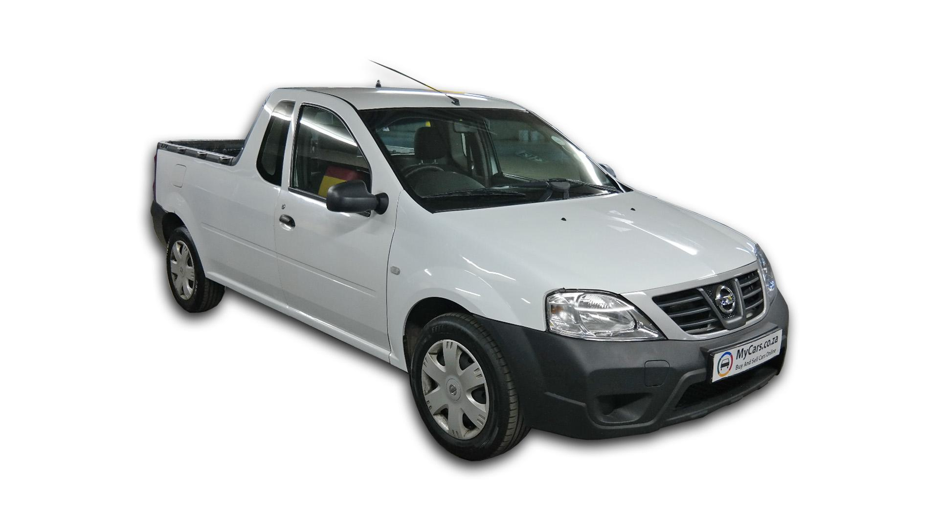 Nissan NP200 1.6 A/C Safety Pack