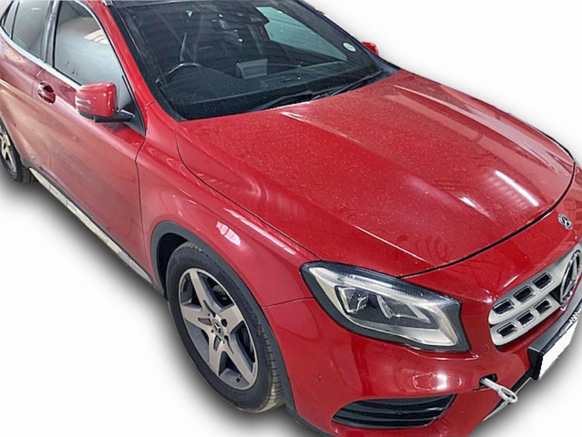 Mercedes Benz Gla 200 A/T