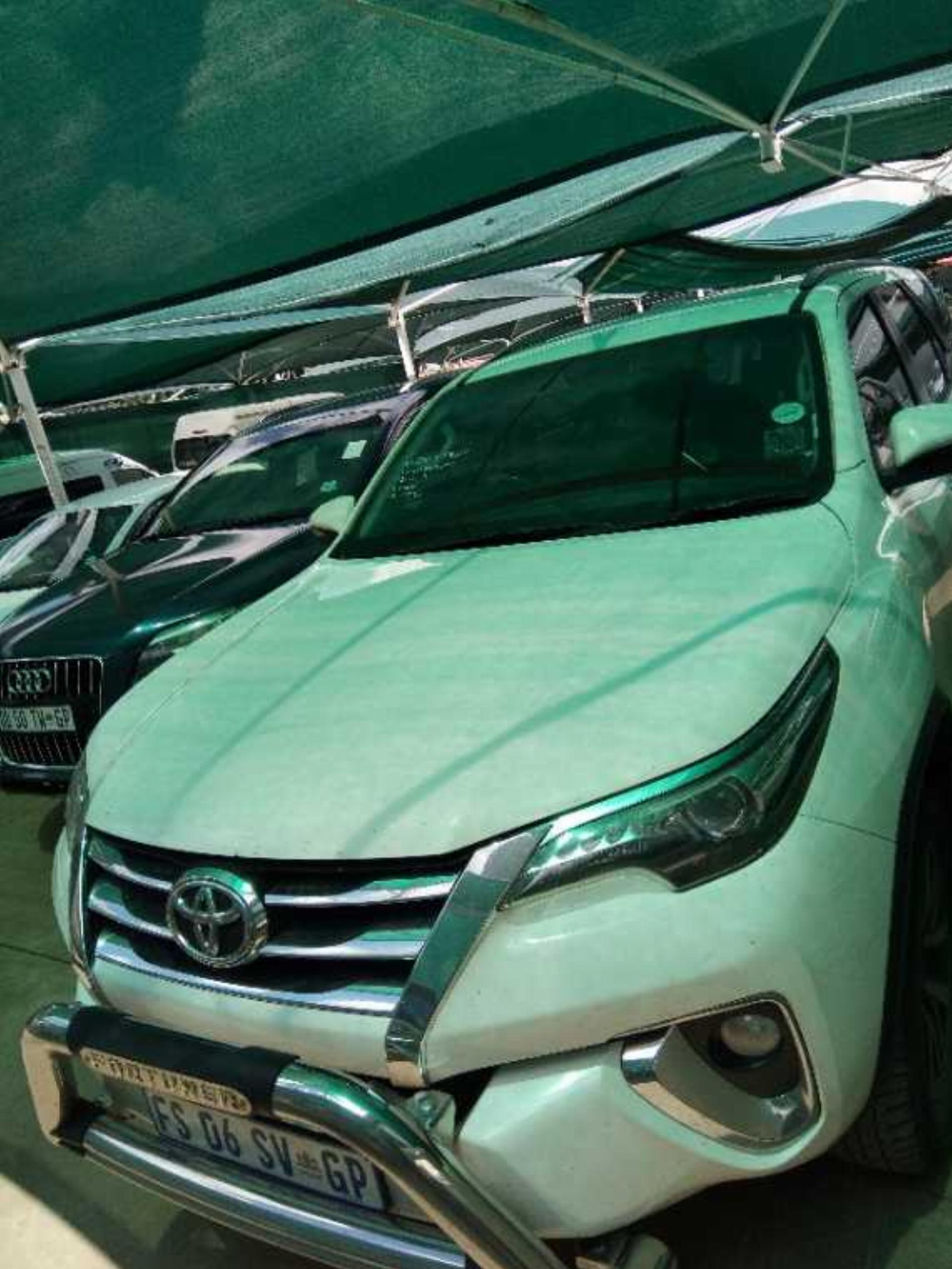 Toyota Fortuner 2.8 GD-6 R/B