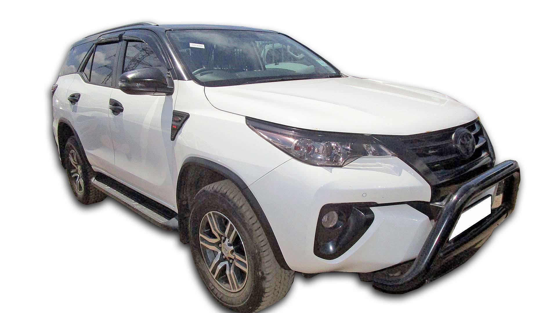 Toyota Fortuner 2.4 GD -6