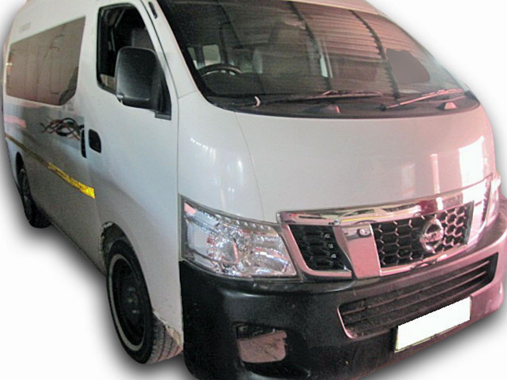 Nissan NV350 2.5 16 Seat