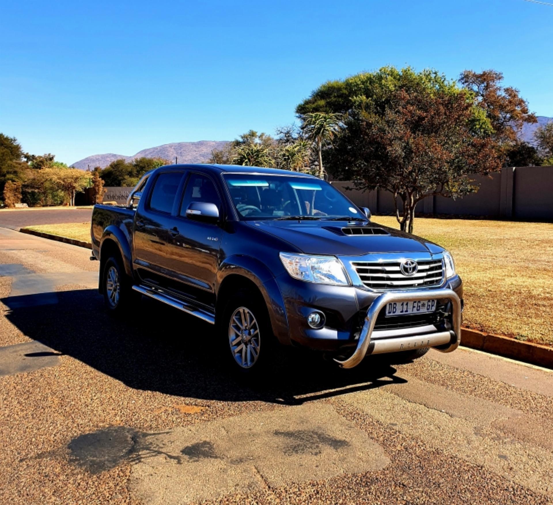 Used Toyota Hilux 3.0 D4D Dakar Double Cab 4X4 2014 on ...